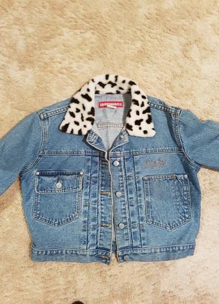 Короткая джинсовая куртка пиджак