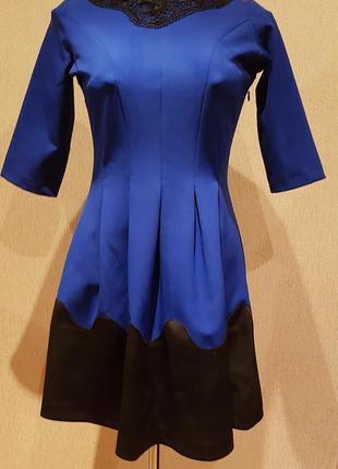 Платье на новый год с королевской спинкой