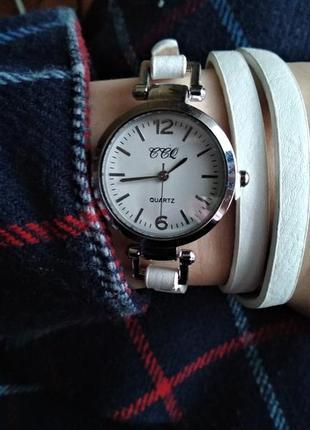 🆕 стильные часы, белый ремешок с переплетами
