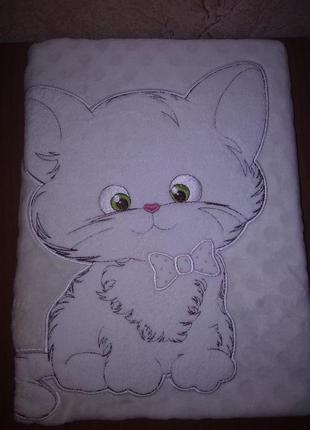 Плед флисовый детский с апликацией бежевый котенок
