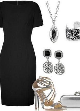 Базовое теплое шерстяное классическое платье