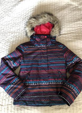 Лыжная куртка roxy на девочку 10-11 лет.