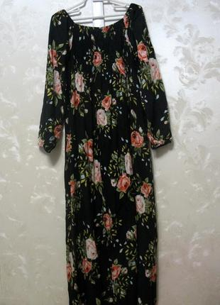 Красивейшее платье со  спущенными  плечами макси comeng