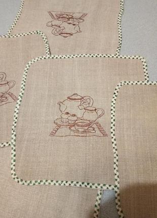 Набор салфетки и полотенце вышитые. лен
