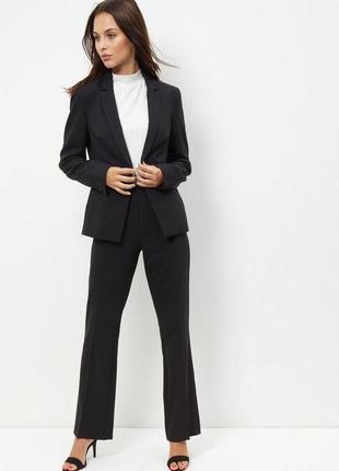Чёрные классические брюки костюмные, штаны прямые строгие