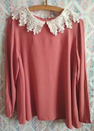 Нюдовая блуза с кружевным воротником от asos