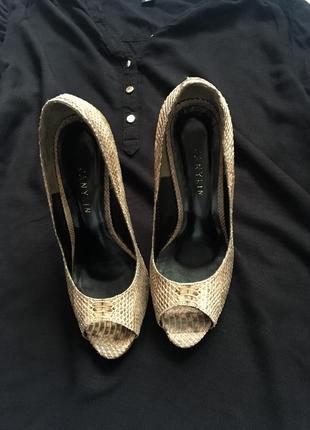 Шикарные туфли известного дизайнера janylin. полностью натуральные.