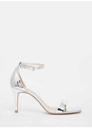 Серебристые босоножки на каблуке с ремешком asos