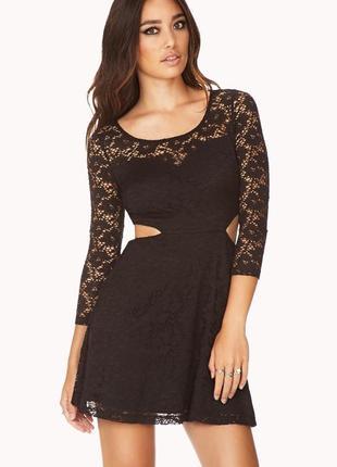 Кружевное платье forever 21, размер s, с вырезами на талии, плаття