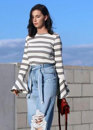 Zara джемпер в рубчик с расклешенными рукавами