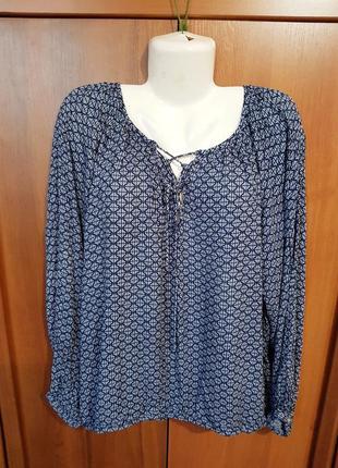 Красивая вискозная блузка размера 52-54