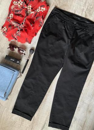 Идеальные фирменные черные брюки со стрелкам и кармашками 40 размер чинос