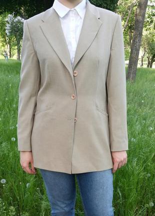 Удлиненный педжак британского бренда berkertex