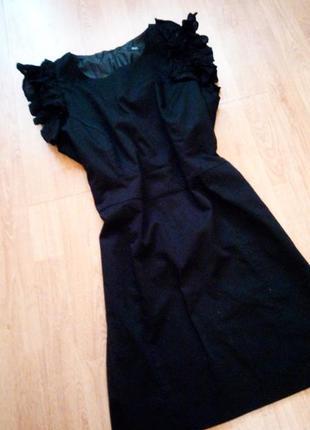 Черное коктейльное нарядное базовое повседневное платье с воланами