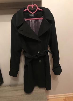 Очень красивое пальто с поясом
