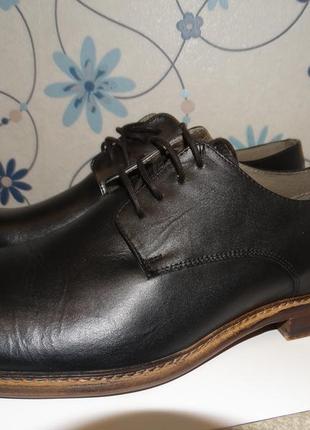Классические туфли израильского бренда castro