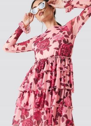 Na-kd романтична квітчаста сукня