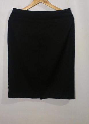 Классическая чёрная юбка бренд mango