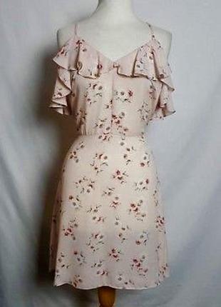 Новое летнее платье на тонких бретелях м - размер