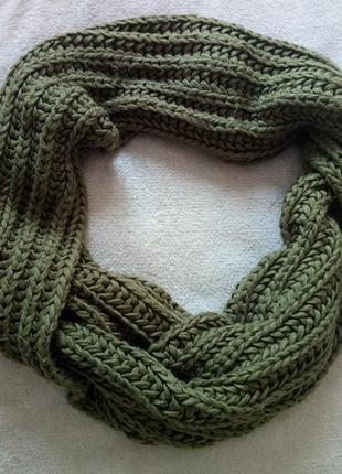 Вязаный теплый шарф хомут