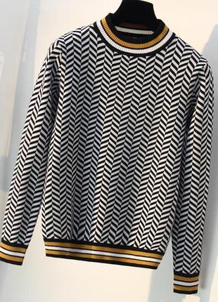 Нереальный свитер