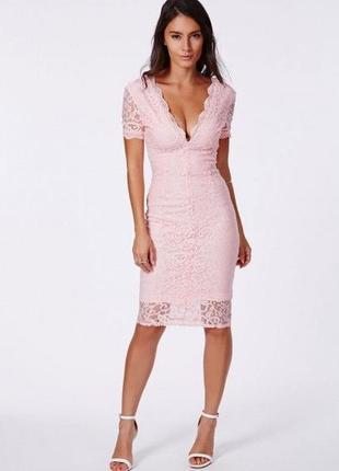 Роскошное платье миди из кружева missguided