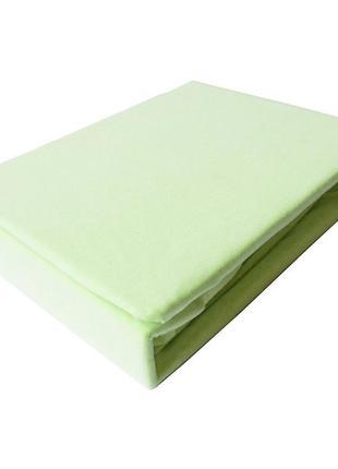 Светло-зеленая простынь на резинке