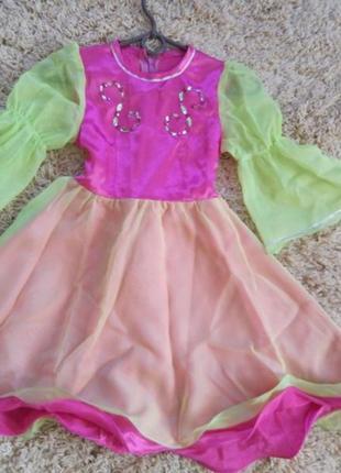 Платье нарядное, выпускное, карнавальное на 4-7 лет