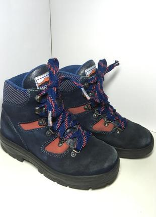 Замшевые ботинки meindl 35 р стелька 22 см