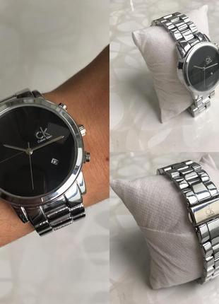 Женские красивые металлические часы с датой серебристые с черным