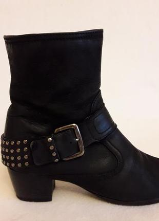 Стильные кожаные ботинки фирмы freeflex p. 39 стелька 25,5 см