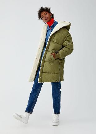 Новая куртка пуховик pull&bear (xs,s,m,l) с капюшоном стеганый pull and bear