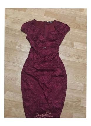 Платье миди актуального цвета марсала