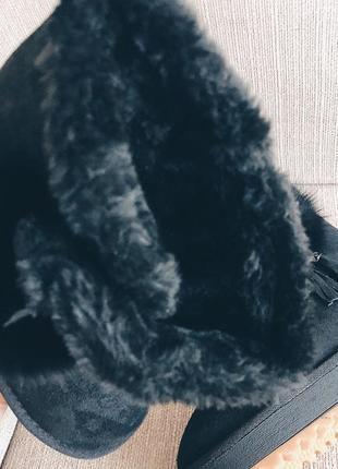 Угги черные на платформе с натуральным помпоном4