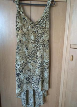 Эффектное платье с леопардовым принтом