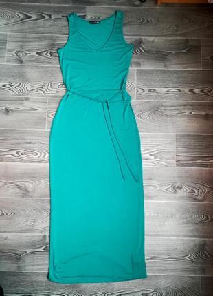 Длинное    144 см  вискозное мягкое изумрудное платье