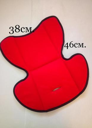 Универсальный вкладыш-матрасик в коляску, автокресло, стульчик для кормления