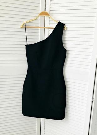 Вечернее платье на одно плечо дорогого бренда whistles