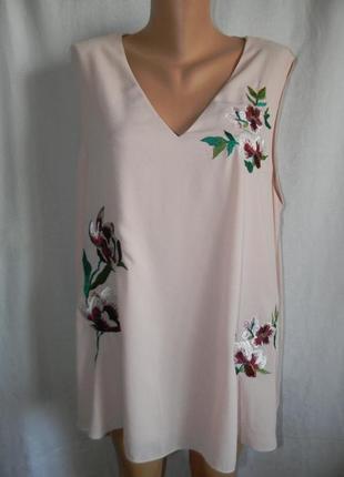 Нежная блуза с вышивкой большого размера
