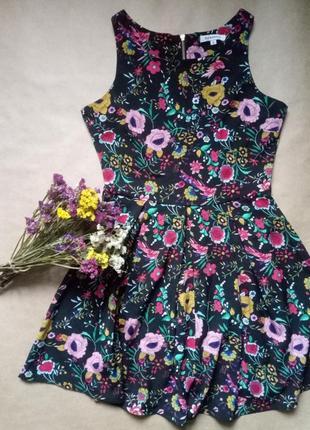 Красивое нарядное платье в цветочный принт,черное платье в цветы,короткое платье