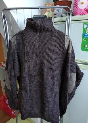 Мужской свитер с локтями
