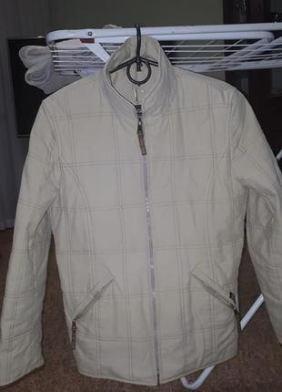Курточка демисезонная размер 46