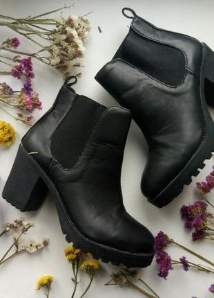 Стильные черные ботинки на каблуке,демисезонные ботинки, устойчивый каблук,ботинки челси