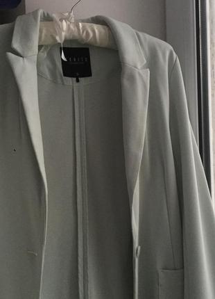 Нежно ментоловый пиджак от mohito