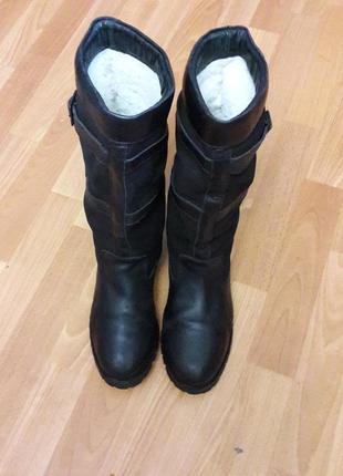 Зимние кожаные сапоги на меху в отличном состоянии оригинал 26см