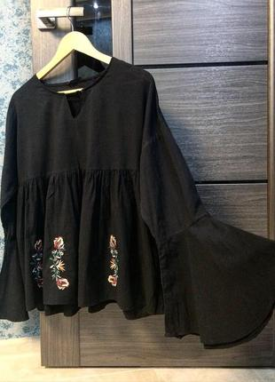 Красивая блузка с вышивкой в низу🌼
