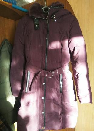 Тёплый зимний пуховик фиолетовый