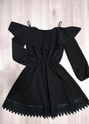 Крутое платье с кружевом, м