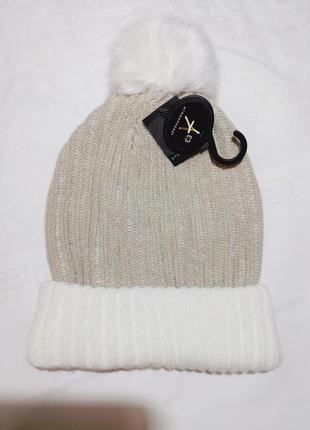 Зимняя шапка с бубоном,очень хорошенькая😇