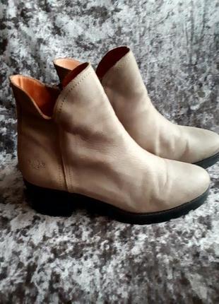 Кожаные ботинки /2я пара в подарок